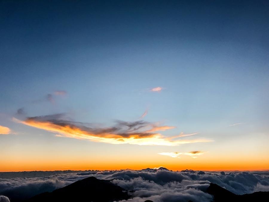 Views of sun coming up at Haleakala sunrise