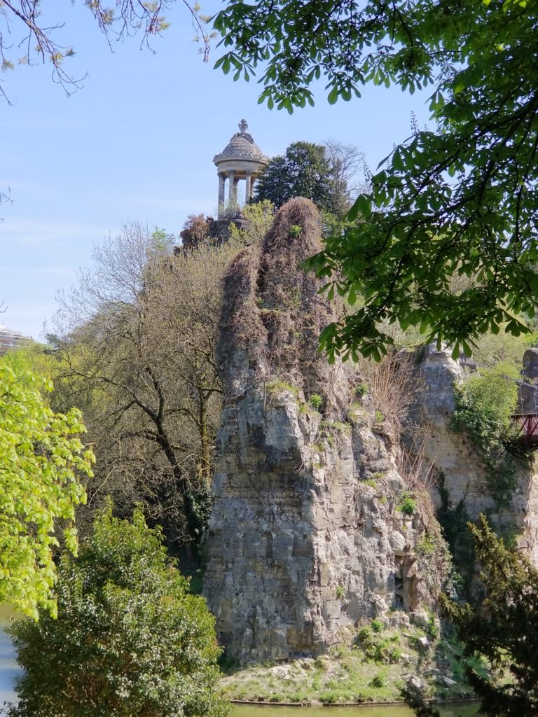 Your Ultimate guide for the top 10 Paris attractions including Parc des Buttes Chaumont