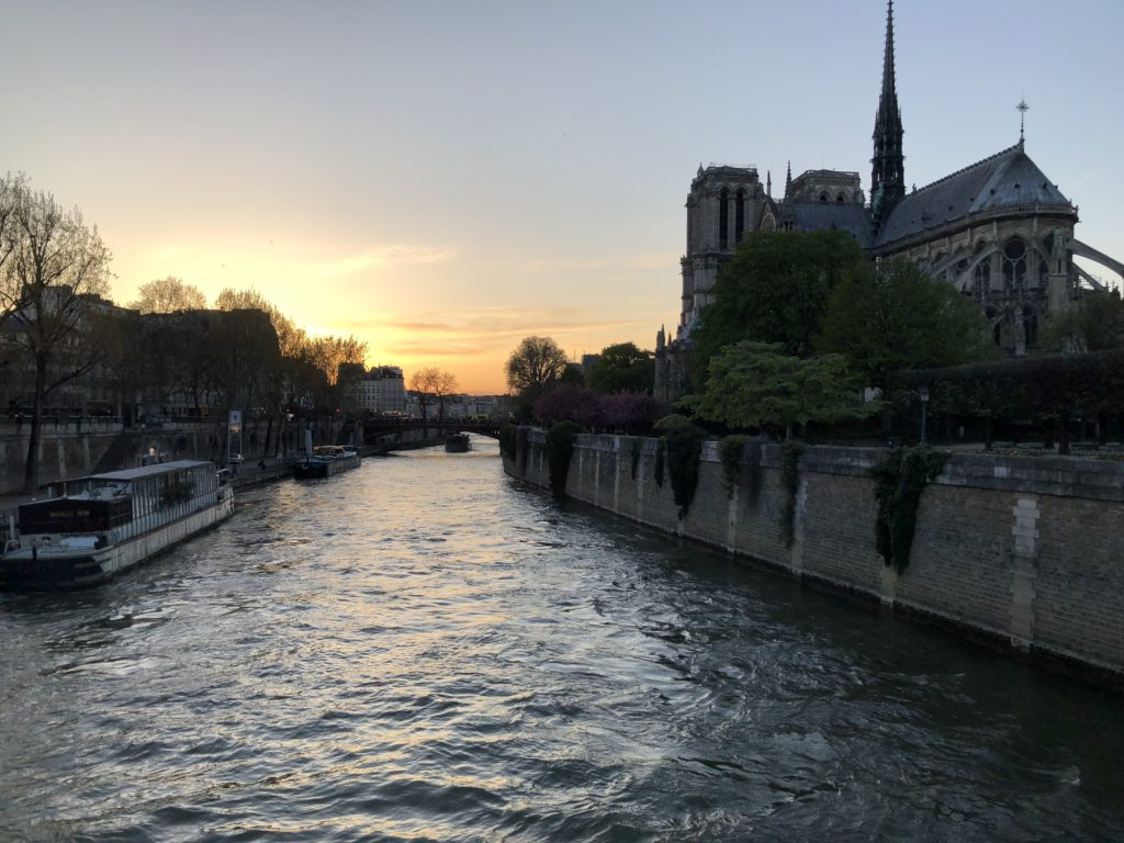 Your Ultimate guide for the top 10 Paris attractions including a boat ride down the Seine
