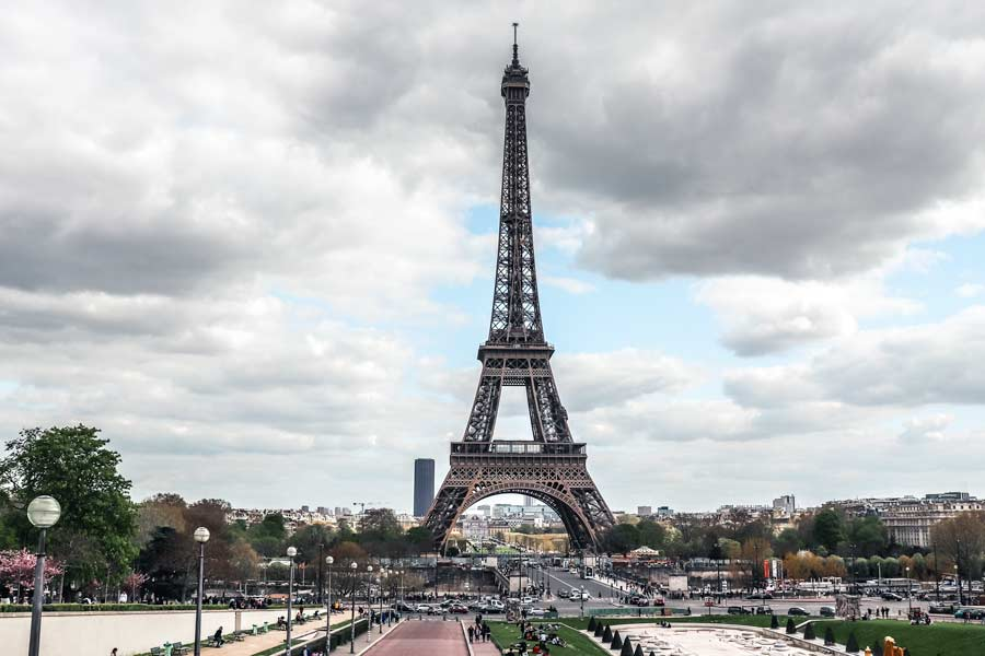eiffel tower is a top Paris attraction