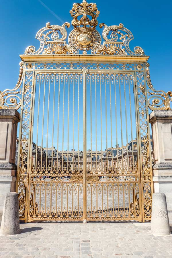 Versailles Gates in Paris are very photo worthy spot