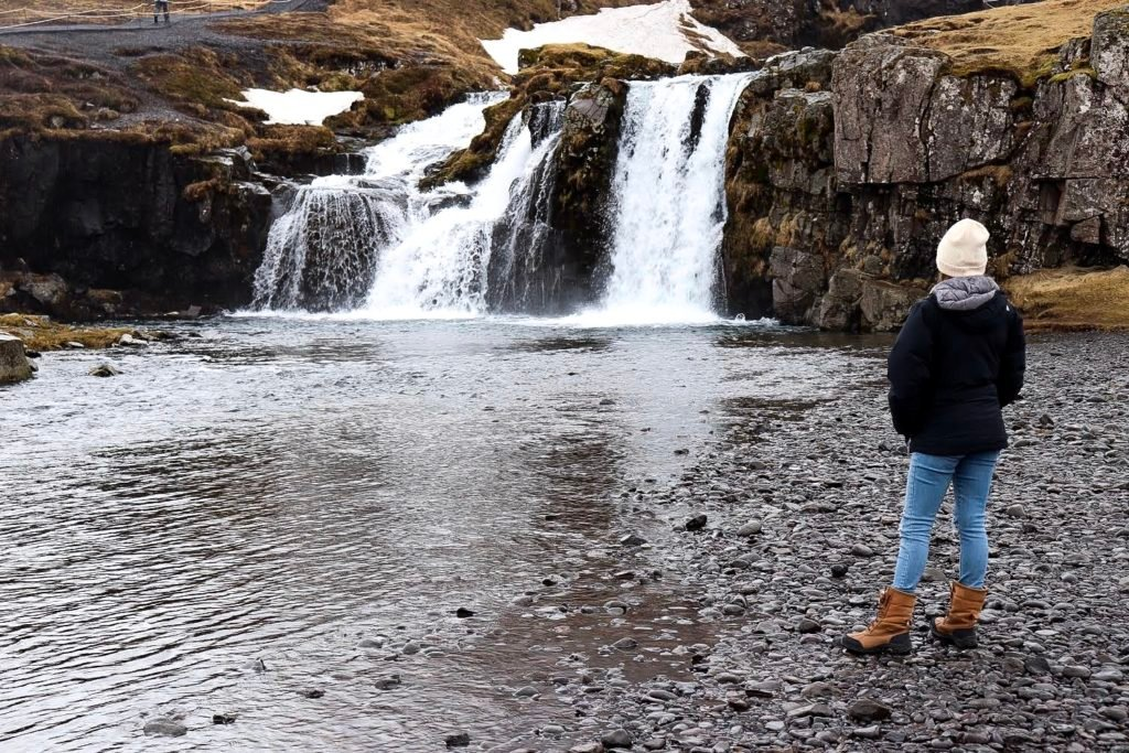 Complete Iceland Itinerary including the best things to see in Iceland all within 4 days. Includes Kirkjufell falls, The Blue Lagoon, Golden Circle and more!