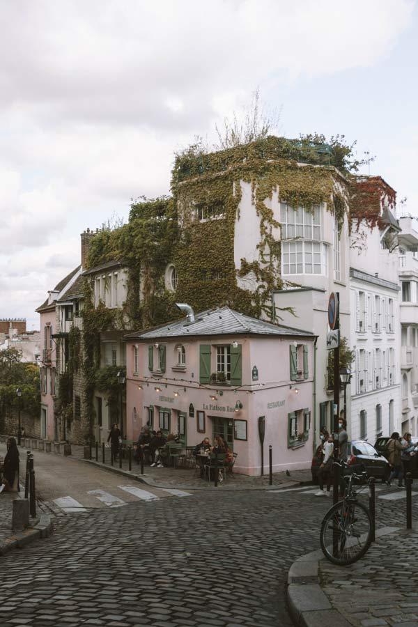 La Maison Rose is a top photo worthy spot in Paris