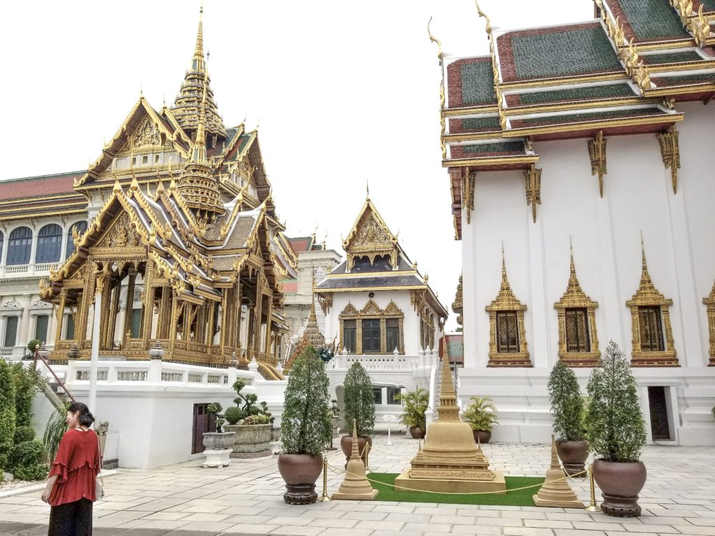 top 3 temples in Bangkok grand palace