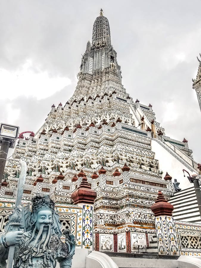 Wat Arun is a top temple to see in Bangkokk