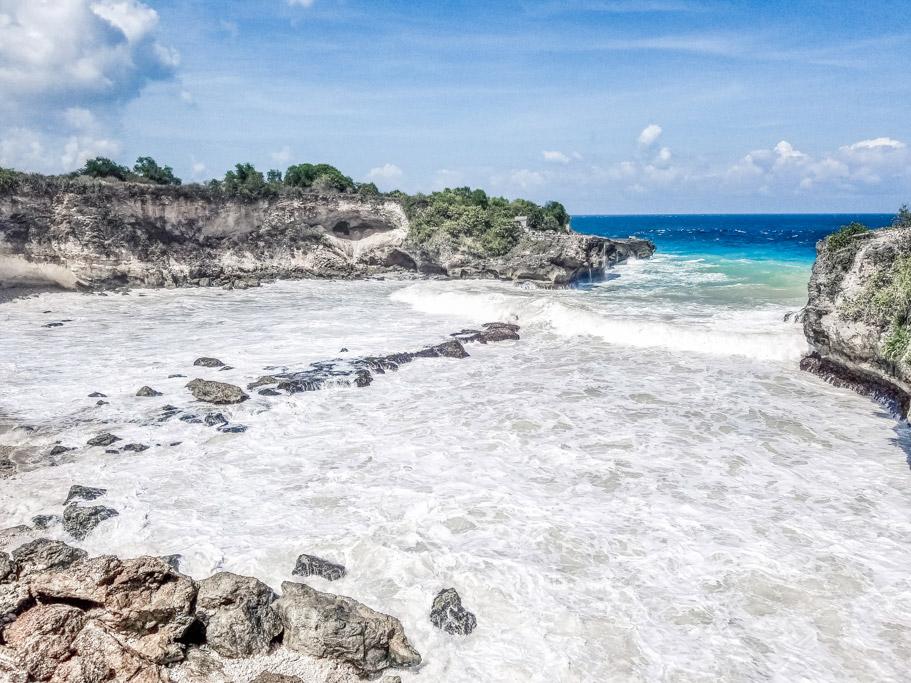 Blue Lagoon in Nusa Cenngian