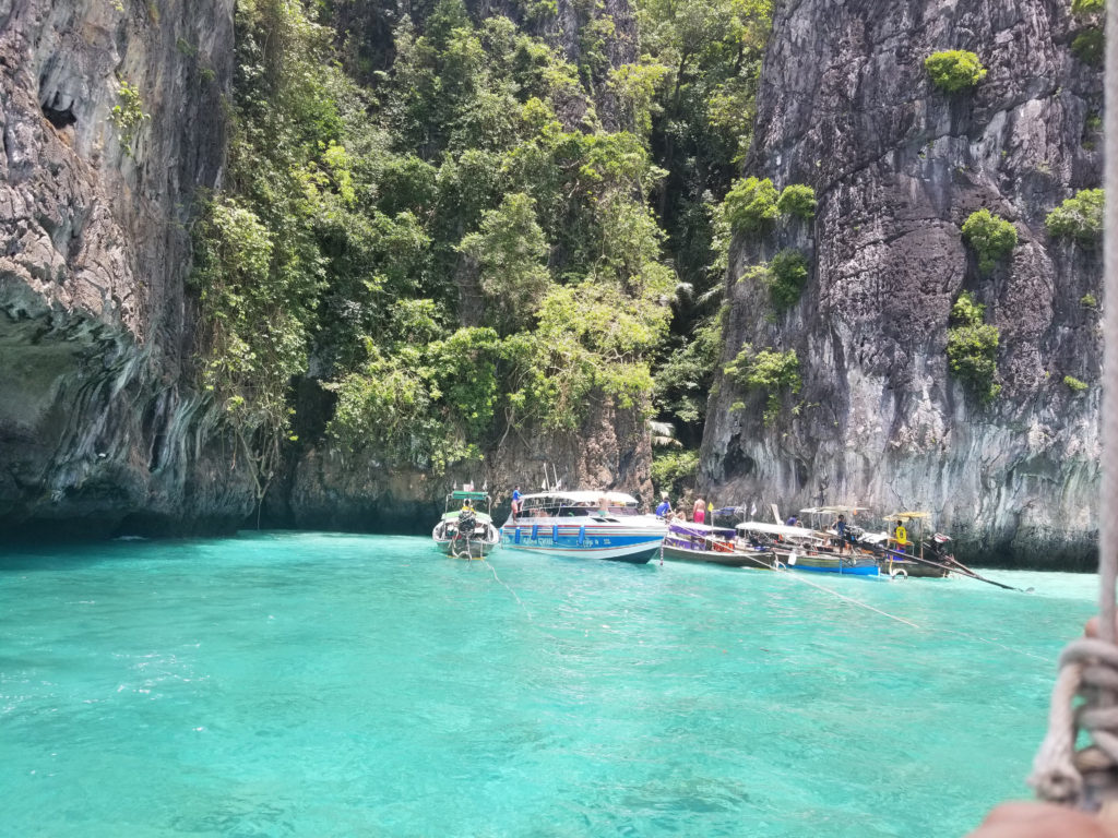 Your ultimate guide for Island Hopping in Thailand! Find out everything you need to know before booking your tour!