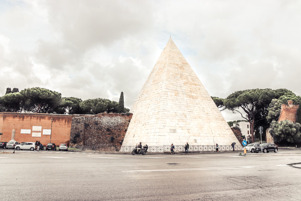 Pyramid of Caius Cestius with 4 Days in Rome