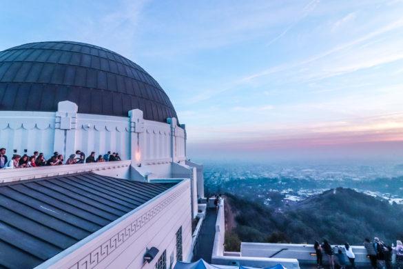 Mặt trời lặn tại Đài quan sát Griffith ở Los Angeles