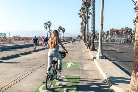 Đạp xe xuống Venice Boardwalk trong 3 ngày ở Los Angeles