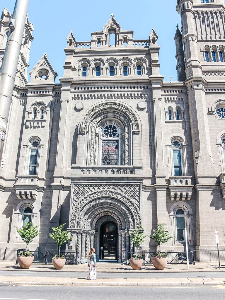 instagrammable Philly places by Philadelphia City Hall