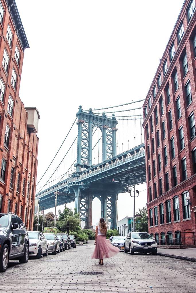 Insta-famous photography of the Manhattan Bridge