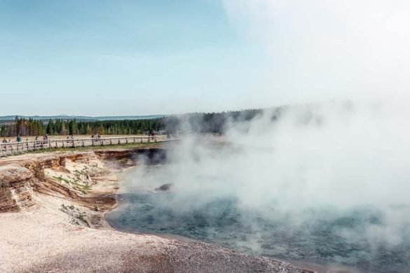 Entrance into Midway Geyser Basin