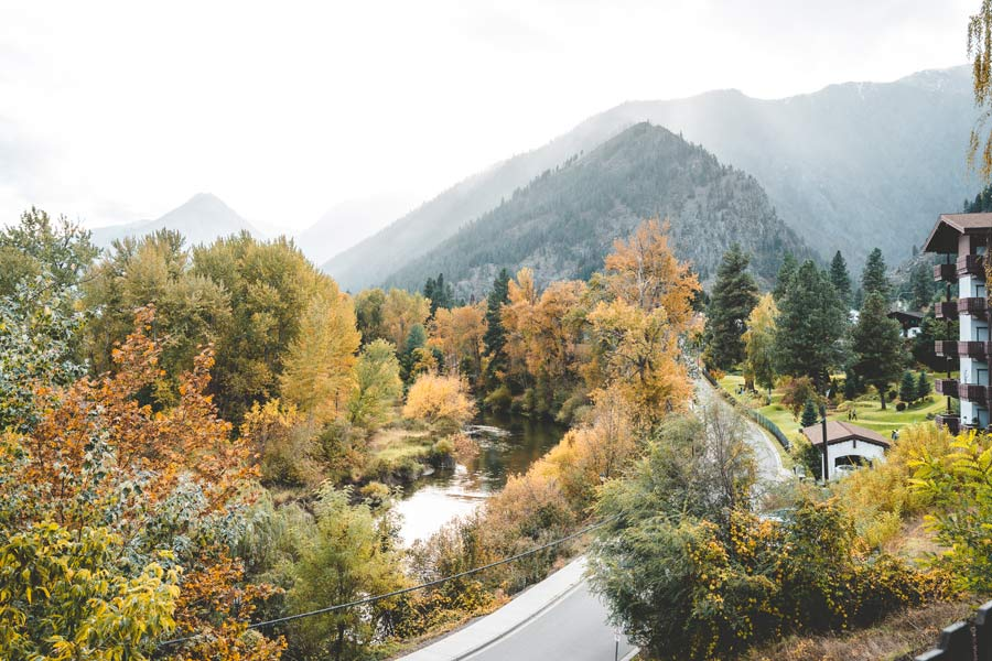 Leavenworth WA Fall Foliage USA mountains